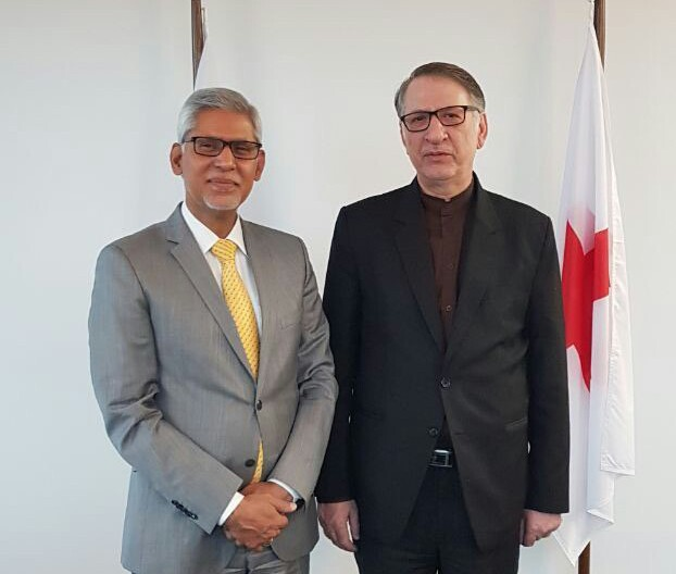 Iran, Red Cross Discuss Battle with COVID-19