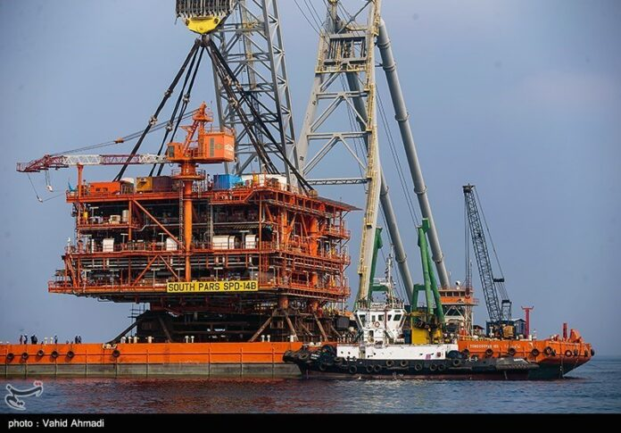 IRGC Installs Last Platform in South Pars Phase 14