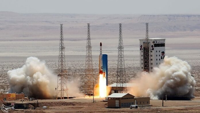 Iran Raps French, US for 'Baseless' Comments on Its Space Program