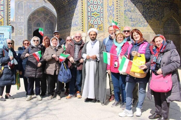 8 Million Tourists Visit Iran in 10 Months: Minister