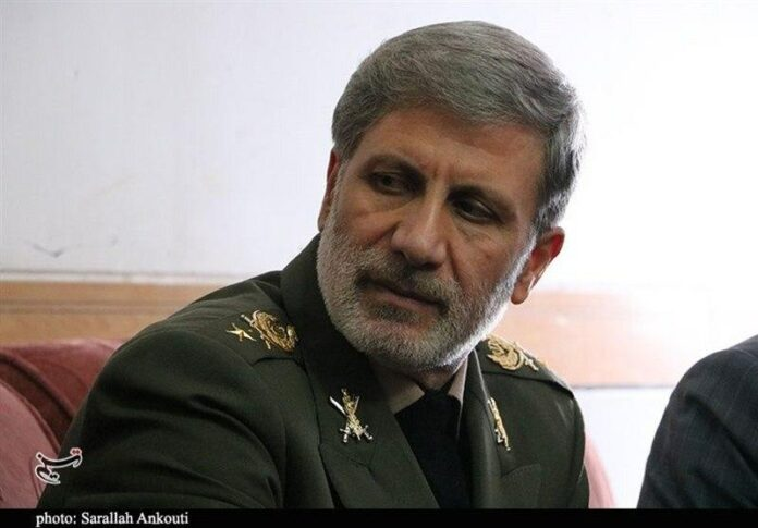 Defense Minister Assures Iranians of Domestic Supply of Masks, Disinfectants