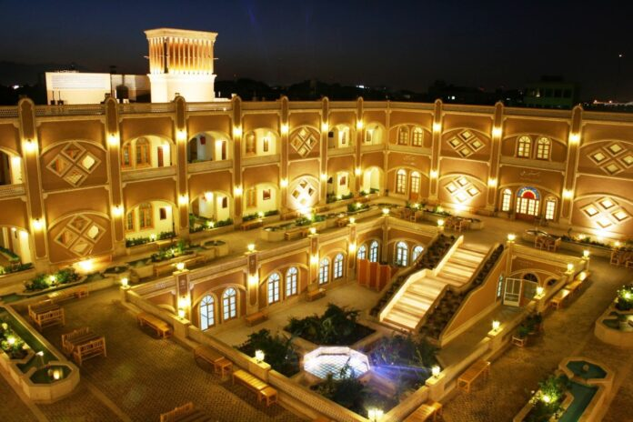 Hotels Close in Yazd by Choice amid COVID-19 Outbr