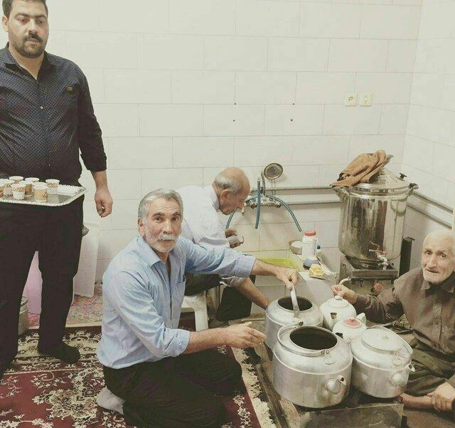 Free Coffee Served in Iranian City to Celebrate Religious Feast