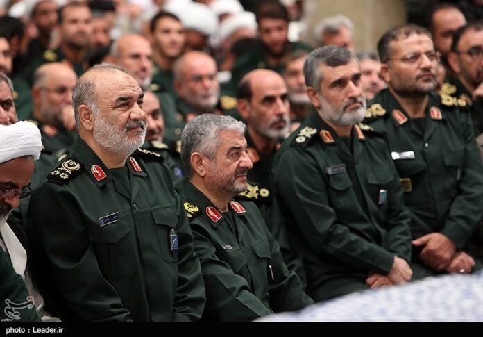 IRGC Commanders Donate Part of Salaries to Corona-Hit People