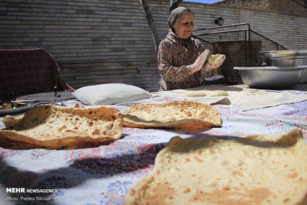 Iranians Latch onto Homemade Bread under Self-Quarantine 1