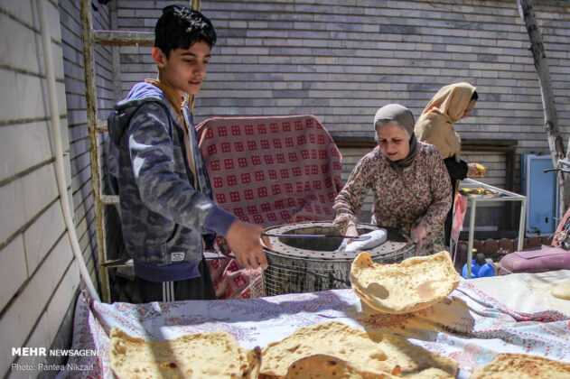 Iranians Latch onto Homemade Bread under Self-Quarantine 1
