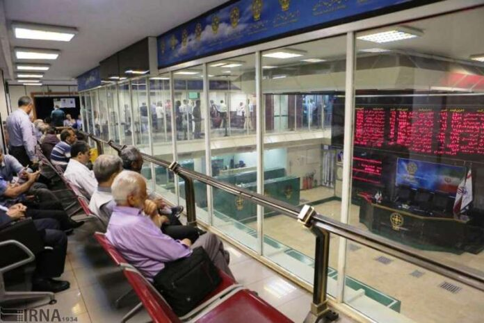 Tehran Stock Exchange Index Hits Record High of 900,000 Points