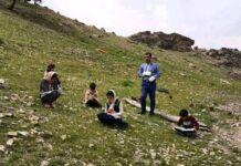 Devoted Teachers Making Sacrifices amid COVID-19 Outbreak in Iran 1