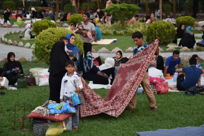 Iran Reopens Outdoor Centres of Recreation as Coronavirus Peters Out