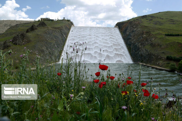 Vahdat Dam in Western Iran