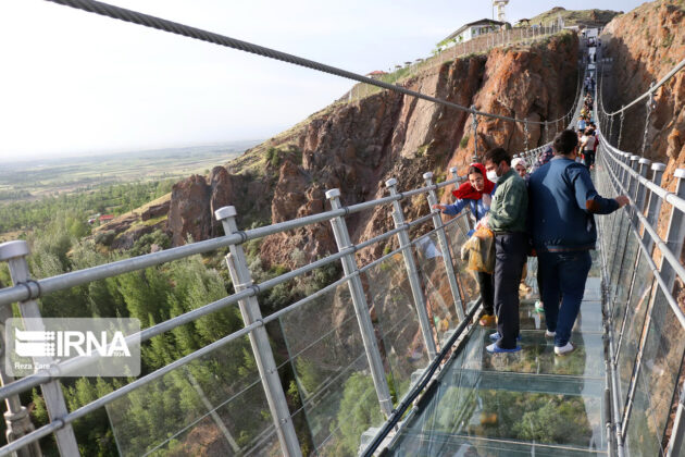 Full-Glass Suspension Bridge 4