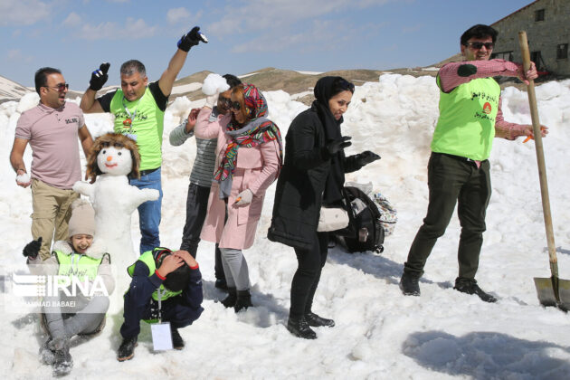 Happy Snowmen Festival 1