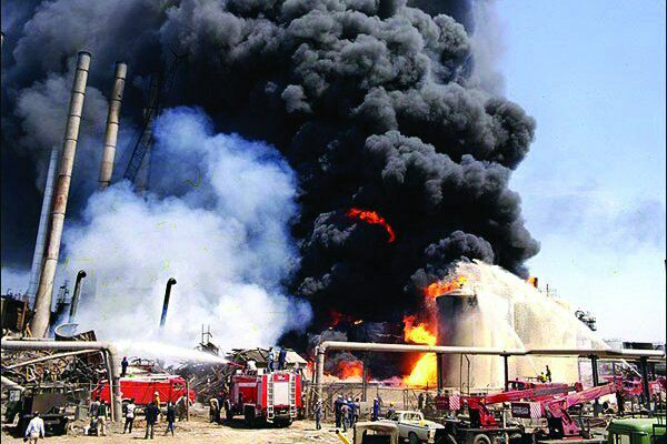 Fire at Tehran Oil Refinery Kills One, Injures Another