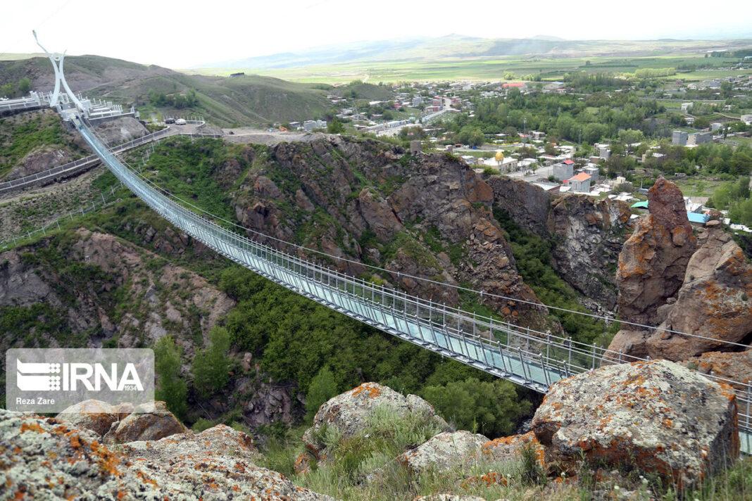 Full-Glass Suspension Bridge 4
