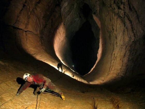 Por Ou Cave, Iran