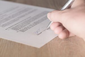 4 Things to Consider When Choosing Professional Movers 1