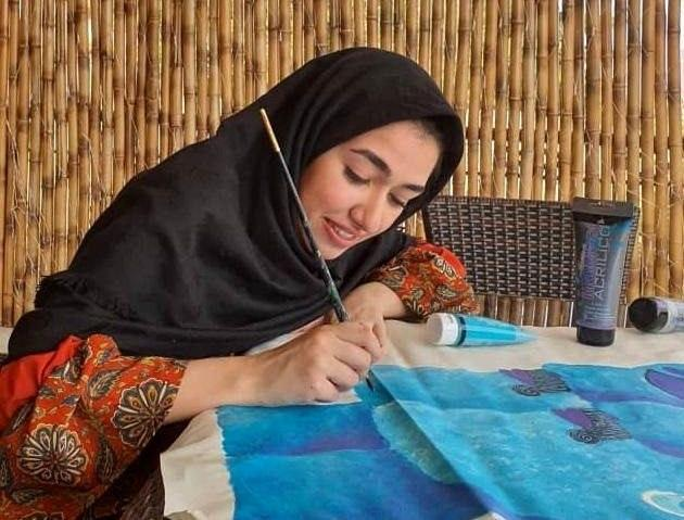 Iranian Artist Advances to Finals in UNESCO Painting Contests 3