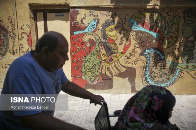 Murals in Iran's Shiraz 4