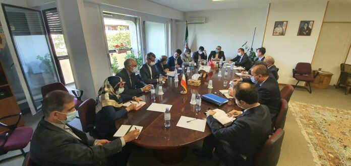Iranian, Turkish Diplomats Meet in Geneva