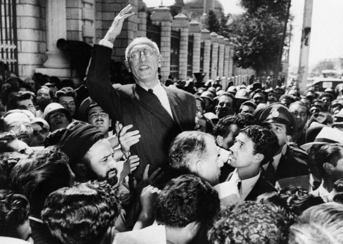 UK Must Apologize for Role in 1953 Coup in Iran