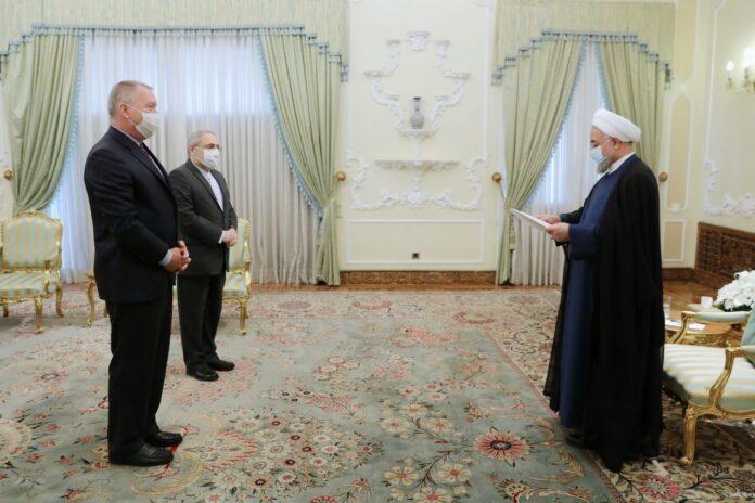 Rouhani Calls for Closer Tehran-Prague Cooperation