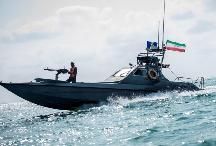 Iran Among World's Top 5 Military Speedboat Producers