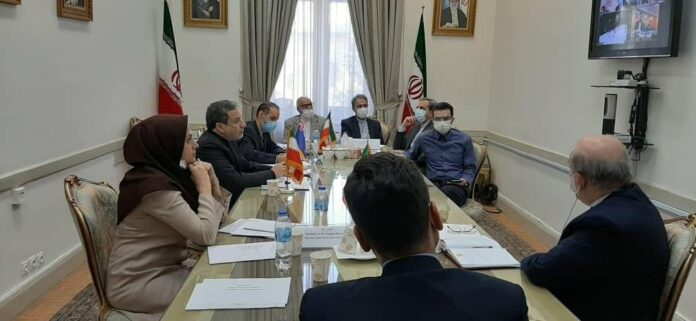 Iran, New Zealand Discuss Closer Political-Economic Cooperation
