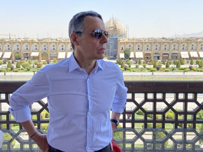Swiss FM Visits Historical City of Isfahan Upon Arrival in Iran 4