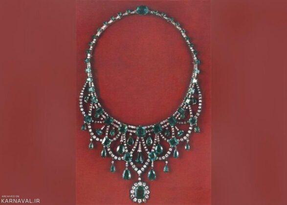 An emerald-diamond necklace