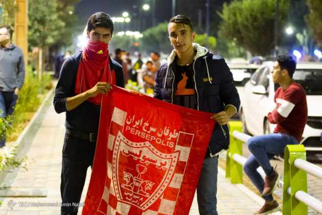 Football Fans in Iran Pour into Streets to Celebrate Persepolis ACL Success 5