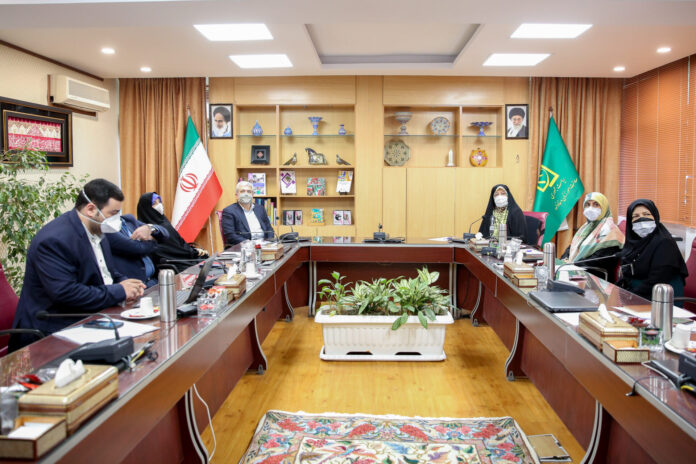 VP Hails Iranian Women's Key Role in Struggle with Sanctions