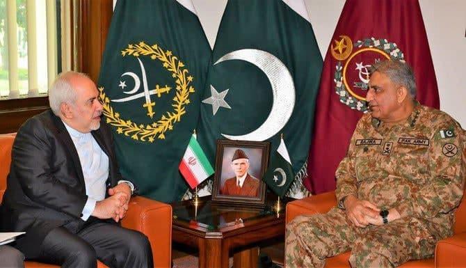 Iran FM, Pakistani Army Chief Discuss Development of Military Ties